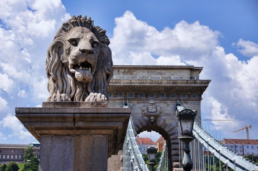 """Image result for budapest lions chain bridge 1905"""""""